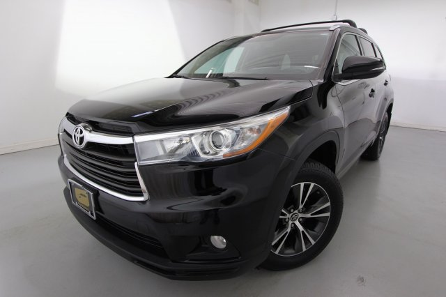 Pre-Owned 2016 Toyota Highlander XLE