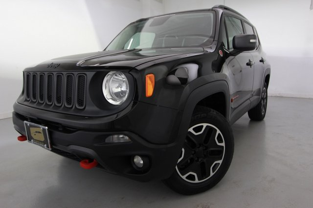 Pre Owned 2015 Jeep Renegade Trailhawk